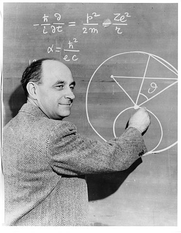 372pxenrico_fermi_at_the_blackboard